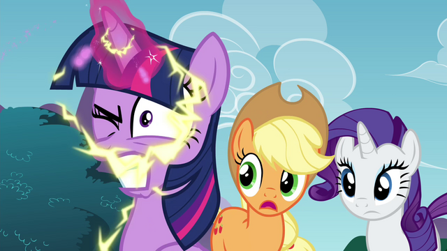 File:Twilight with an electrifying magical energy S4E26.png