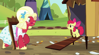 "Orchard Blossom ""like you've never carried an egg before!"" S5E17"