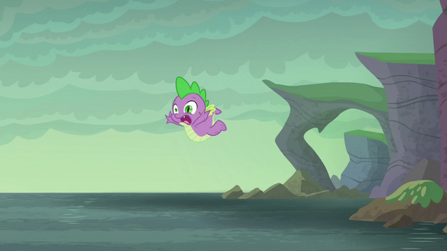 File:Spike falling into the water S6E5.png