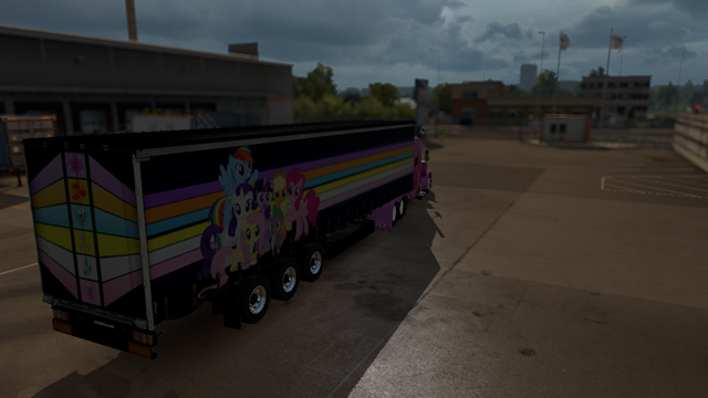 File:FANMADE ETS2 Pete 389 Custom - Pinkie Pie Skin 3.png
