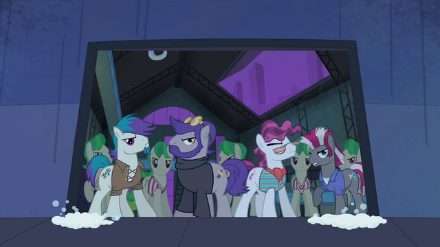 File:The Mane-iac's henchponies S4E06.png