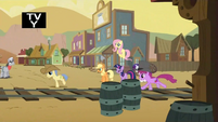 Ponies running about S1E21