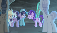 Starlight and Twilight face off S5E1