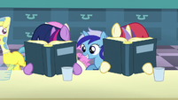 Fillies Twilight and Moon Dancer continue reading the books S5E12
