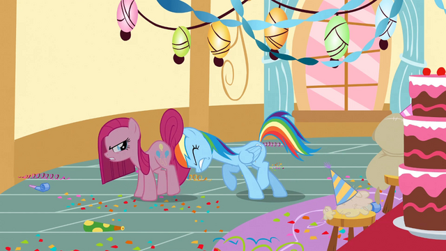 File:Rainbow Dash tries to move Pinkie Pie S01E25.png