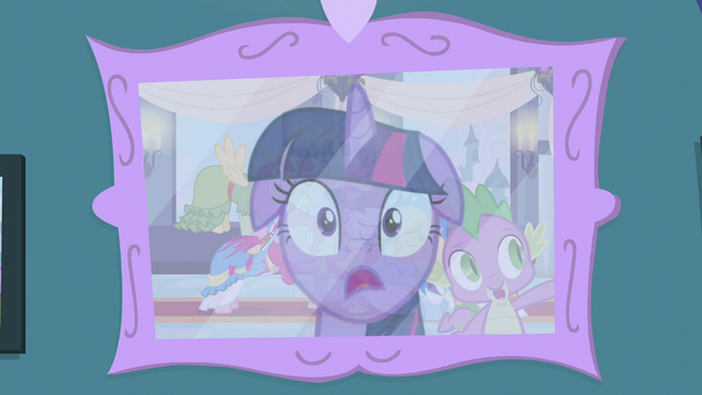 File:Twilight realizes something S5E12.png