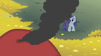 Rarity looking up at dragon S1E7