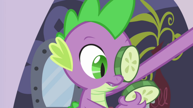 File:Spike looking at the cucumber S2E23.png