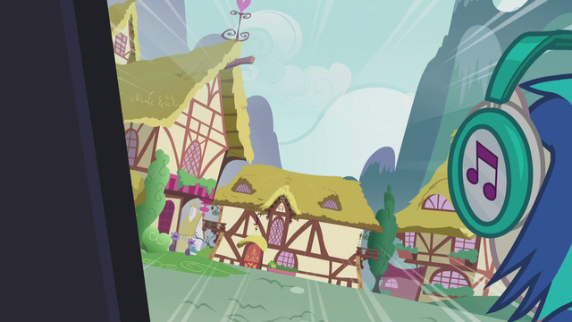File:DJ Pon-3 about to crash into a house S5E9.png