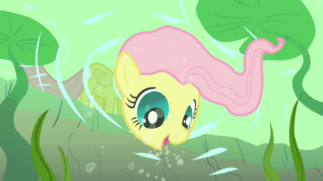 File:Fluttershy smiling underwater S01E23.png
