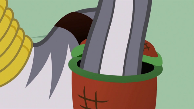 File:Zecora dipping tail into basket S2E06.png