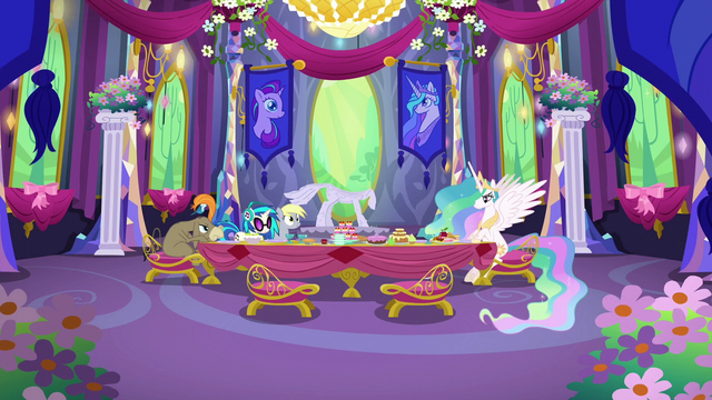 File:Celestia and dinner guests continue to wait S6E6.png