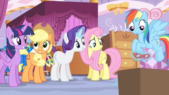 File:Rarity levitating glasses S4E19.png
