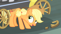 Applejack lifts a cab S4E08
