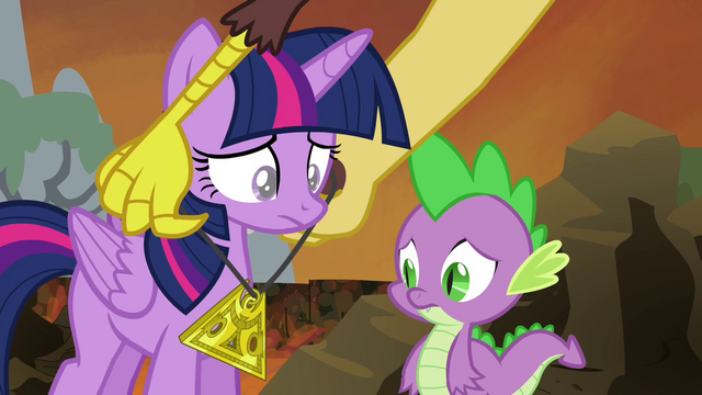 File:Discord giving Twilight the medallion S4E26.png