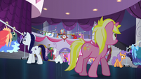 Canterlot ponies browsing the boutique S5E14