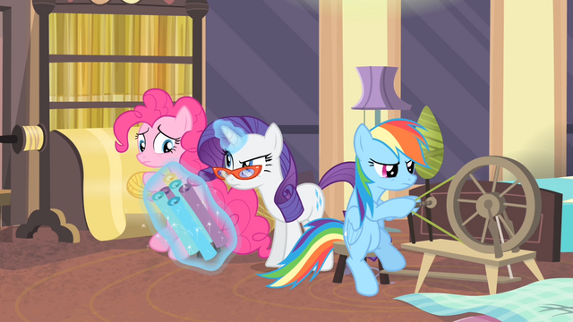 File:Rarity looking at Pinkie S4E08.png