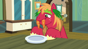 Big Mac acting silly to make Apple Bloom feel happy S5E17