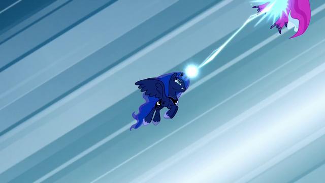 File:Princess Luna blasts a dress S5E13.png