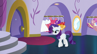 Rarity looking satisfied again S5E14