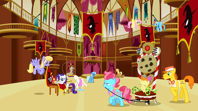 File:Trixie City Hall S3E5.png