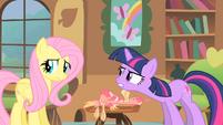Twilight scolding Fluttershy S1E22
