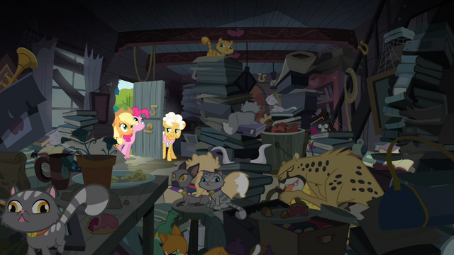 File:A lot of cats and stuffs in Goldie's house S4E09.png