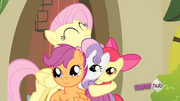 Fluttershy hugs the CMC S2E23