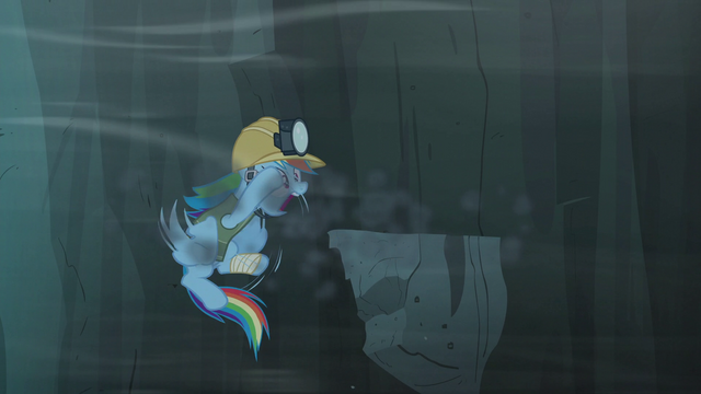 File:Rainbow panics after a piece of the cliff falls out from down under S5E8.png
