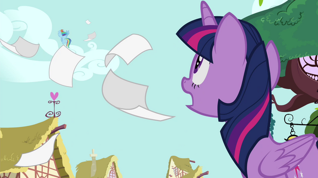 File:Twilight calling Rainbow's name S4E21.png