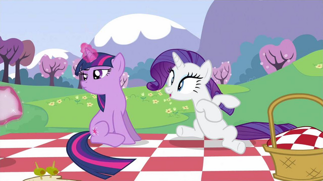 File:Rarity swrooning S2E25.png