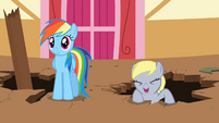 Derpy cheering for Applejack S2E14