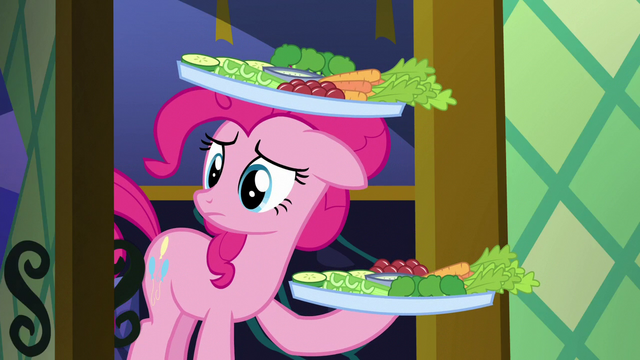 File:Pinkie Pie arrives with the snacks S5E19.png