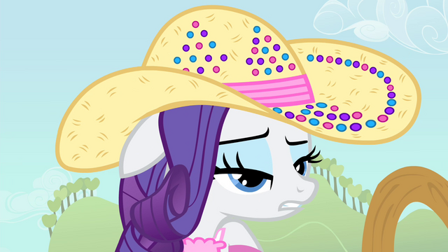 File:Rarity 'how does Applejack do it' S4E13.png