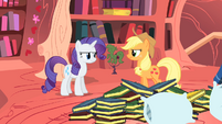 Applejack and Rarity react to Twilight's proposal S1E08