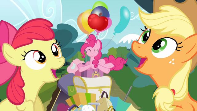 File:Apple Bloom and Applejack singing S4E09.png
