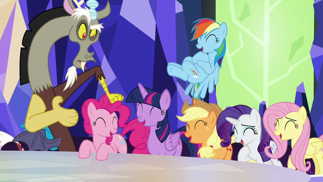 File:Discord knocking on Pinkie's head S5E22.png