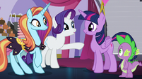 Rarity points at Twilight S5E14