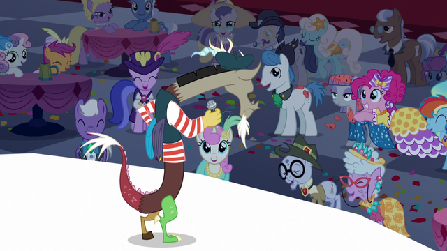File:Crowd laughing at Discord S5E7.png