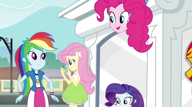 File:Pinkie Pie on top of CHS statue EG2.png