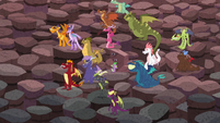 """Spike pushing the """"rock"""" while in a crowd of dragons S6E5"""