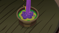 Snowfall pour one final potion to the wooden cup S06E08