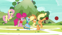 Applejack kicks more balls at Snails S6E18