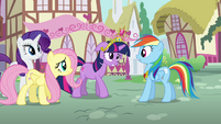 Twilight and friends worry about Applejack S03E13