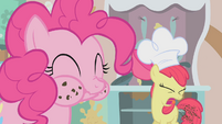 Apple Bloom Cupcakes S1E12
