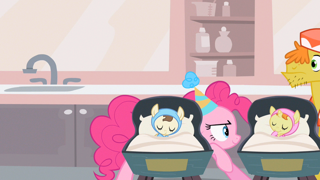 File:Pinkie Pie being sneaky S2E13.png
