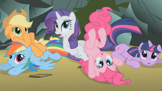 File:Main 5 surprised at Fluttershy S01E07.png