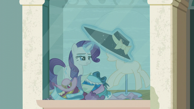 File:Rarity puts another hat on the mannequin S6E9.png