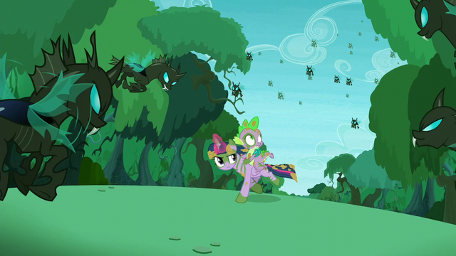 File:Twilight and Spike with changelings around them S5E26.png