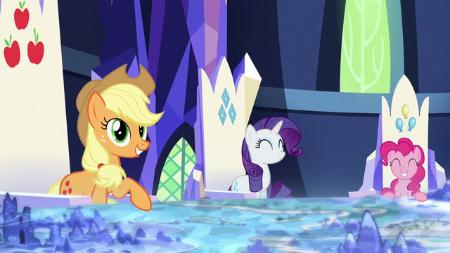 File:Applejack, Rarity, and Pinkie smiling S5E26.png